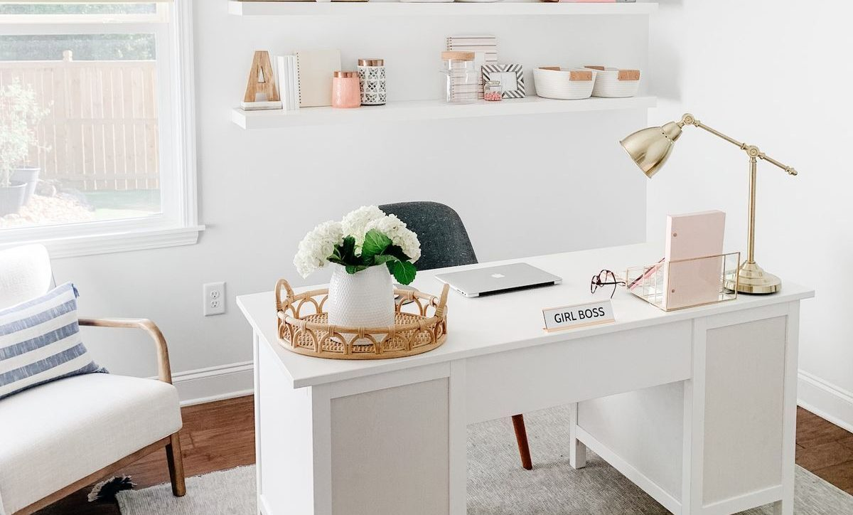 6 WAYS OF HAVING A PEACEFUL AND PRODUCTIVE HOME OFFICE